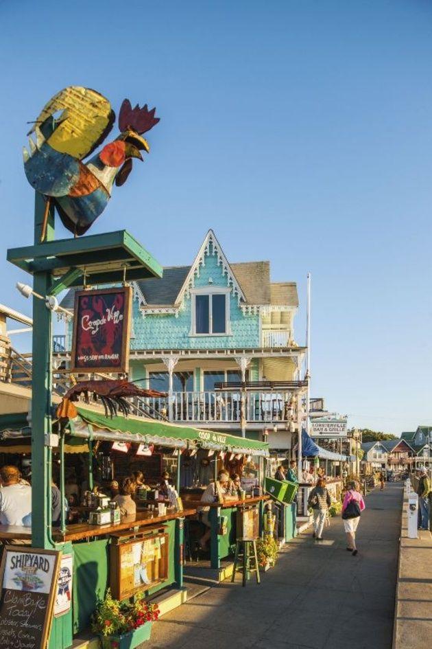 [アメリカ、マサチューセッツ州マーサズ・ヴィニヤード]ハネムーンで行きたい!世界で最もカラフルなビーチタウン30 | ウエディング | 25ans(ヴァンサンカン)オンライン
