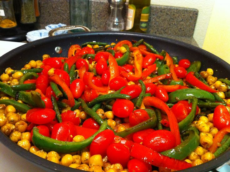 More Vegetarian Cooking. Chick Peas, Peppers, Green Beans, Garlic. Cracked the tomatoes, marinated then added at the end.
