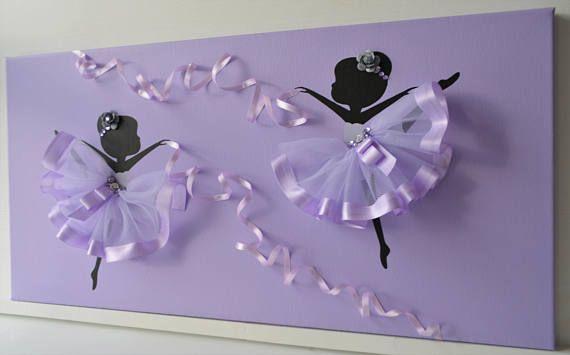 Arte della parete viola della ballerina. Tela di grandi
