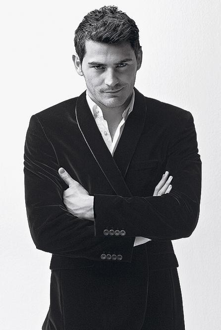para todas aquellas que están en el #Yuppies la cara de Iker Casillas Preguntando @G_a_b_s me juras que te gusta el Fútbol?