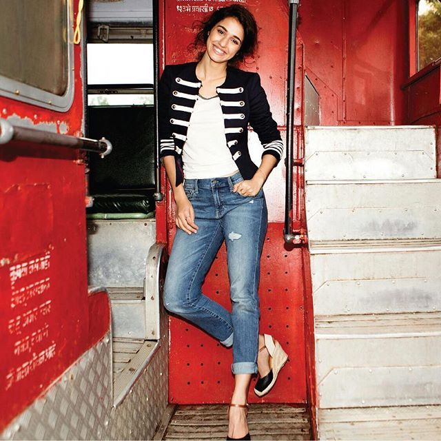 Dress for what you want. Shop my look at nnnow.com/disha @heynnnow #readyfornnnow Shop link in bio