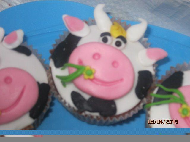 mucca cupcakes