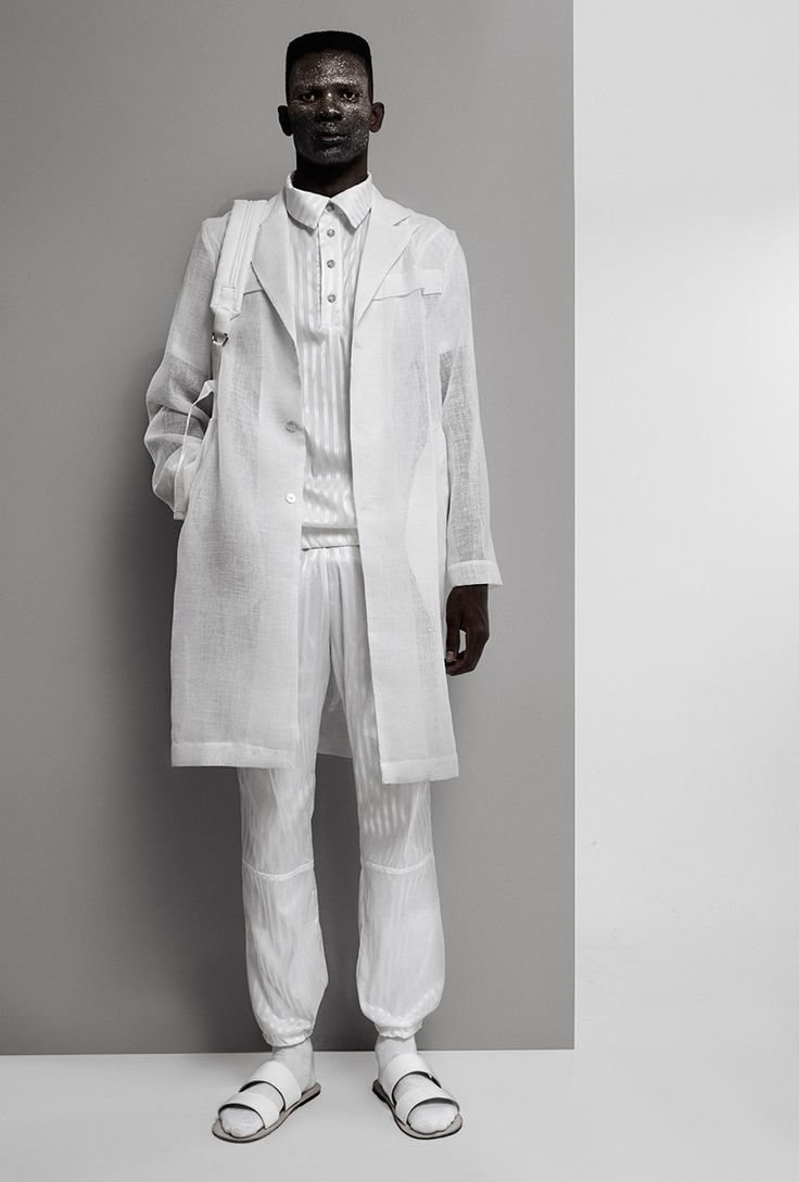 Textured Minimalism in Lukhanyo Mdingi's Fall/Winter 2015 Menswear Collection: http://10and5.com/2015/02/17/lukhanyo-mdingis-fallwinter-2015-menswear-collection/