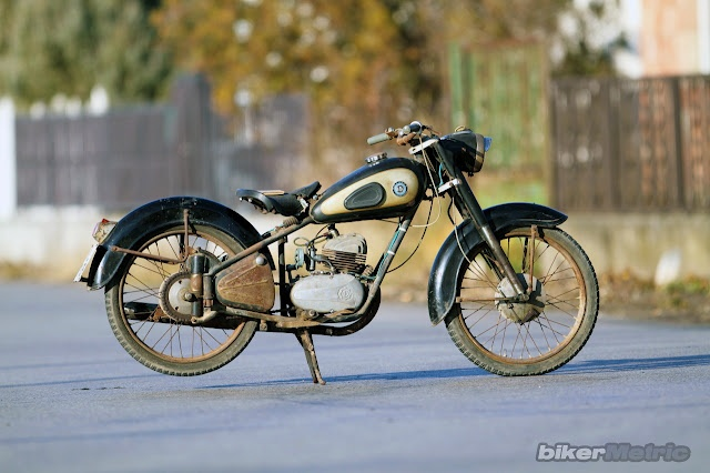 1949 csepel 125 frame and a pannonia p20 two-stroke inline-two cylinder engine from the 1970's