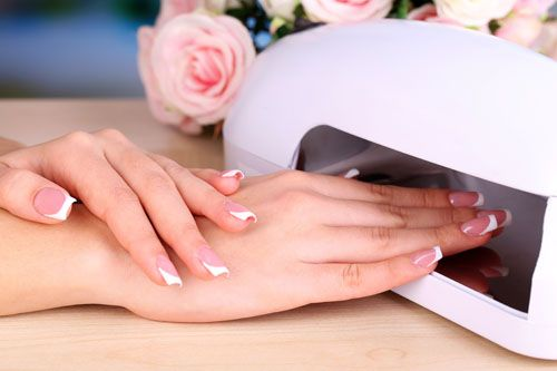 Gel vs. Acrylic nails: Which is the way to go?