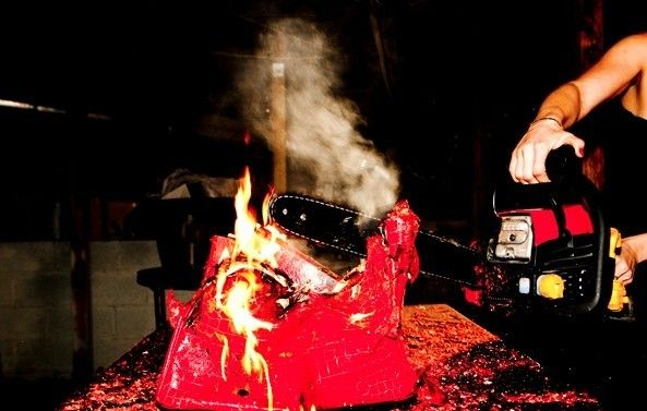 Arte: la #Birkin #Hermés viene distrutta e bruciata #luxury #bags #arts  #http://www.tentazioneluxury.it/arte-la-birkin-hermes-viene-distrutta-e-bruciata/