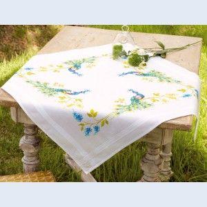 Peacock and Flowers: kruissteek theenap, voorbedrukt op stof om zelf te borduren