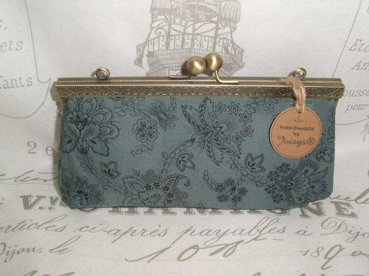 Joisys®  Große Bügeltasche Schminkbox Paisley grau von Joisys® Bügeltaschen auf DaWanda.com