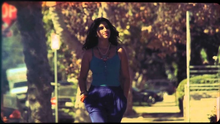 Radics Gigi - Vadonatúj érzés (official video)
