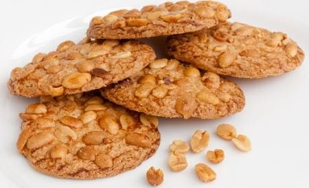 Rezept: Erdnusstaler -> https://www.zentrum-der-gesundheit.de/erdnusstaler.html #vegan #rezept #gesundheit