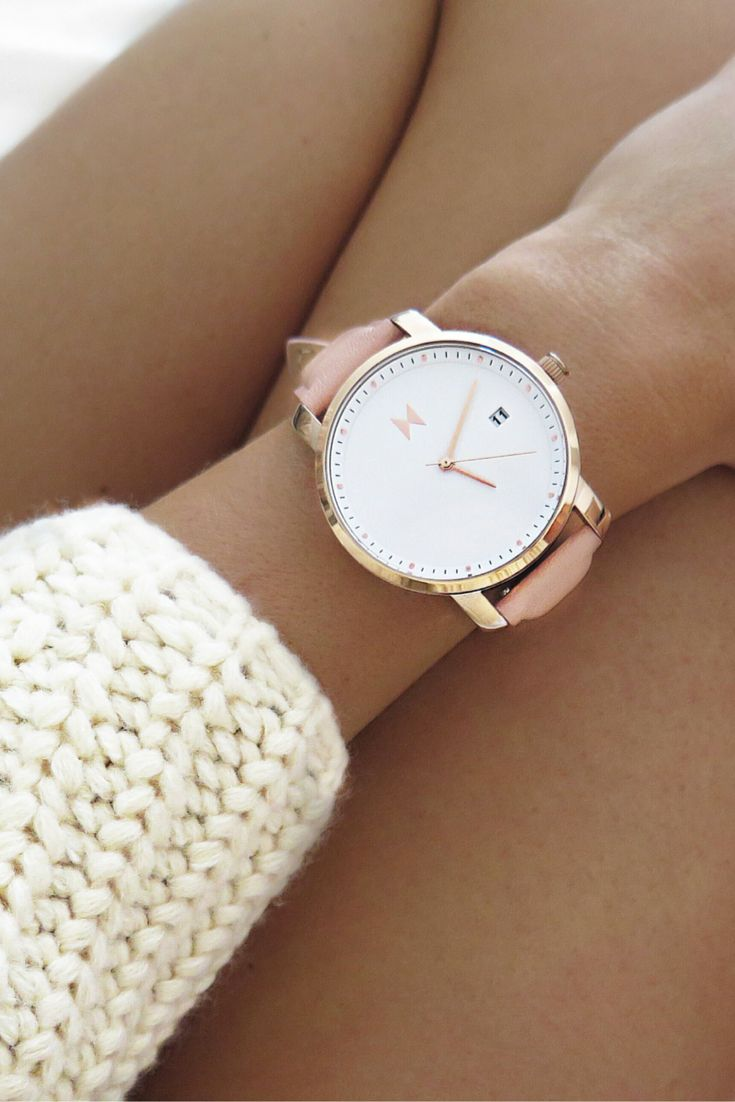 Any rose gold or gold over-sized watch