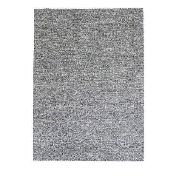 Fabula Living Gimle zwart/gebroken wit vloerkleed. In de hal, woonkamer of slaapkamer? Dit #vloerkleed van #FabulaLiving kan overal! #vloerkleden #design #Flinders