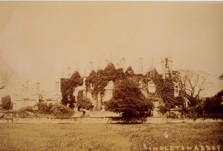 Singleton Abbey, early 20th Century (yes, those are cannons...)