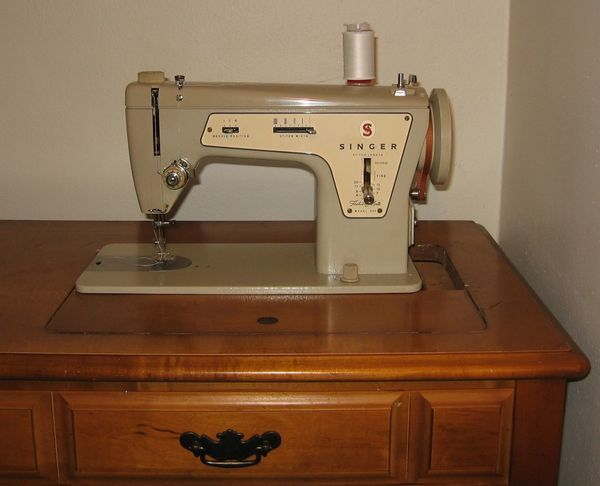 43 best Sewing Machine lovin' images on Pinterest | Antique sewing ...