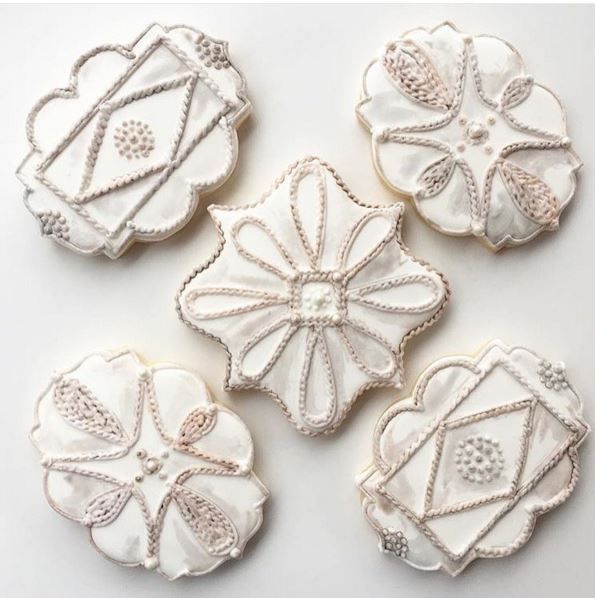 How beautiful are these hand painted cookies by @whippedbakeshop inspired by our Jardins du Monde collection? #itsallinthedetails #Juliska