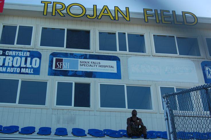 http://www.sbnation.com/longform/2014/12/17/7407699/naia-football-profile-paying-players