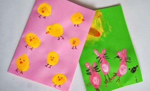 Biglietti di Pasqua con i colori a dita