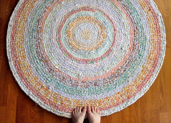 love this recycled t shirt yarn rug