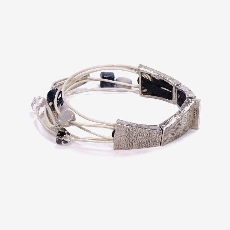 FAVON || Artisan bracelet, handmade in Canada by Anne-Marie Chagnon (2017) || Bracelet fait à la main à Montréal, par l'artiste bijoutière Anne-Marie Chagnon