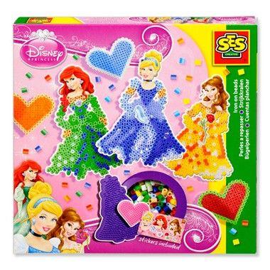 SES Disney Princess strijkkralen  Maak de mooiste Disney prinsessen van strijkkralen. Maak van blauwe kleurtjes de prachtige baljurk van Assepoester of gebruik de gele kraaltjes voor de betoverende jurk van Belle. Urenlang speelplezier met deze prachtige set van SES.  EUR 8.68  Meer informatie