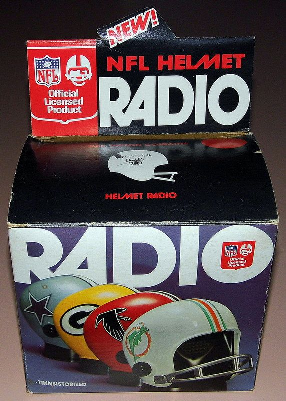 Vintage NFL Helmet Novelty Transistor Radio (Philadelphia Eagles) By Pro Sports Marketing, Made In USA, Copyright 1973.
