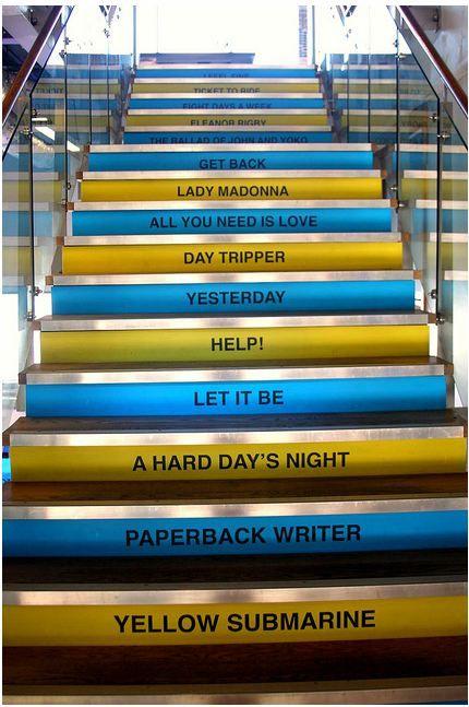 Stairs at Beatles Museum in Liverpool. quiero subir esas escaleras antes de morir!