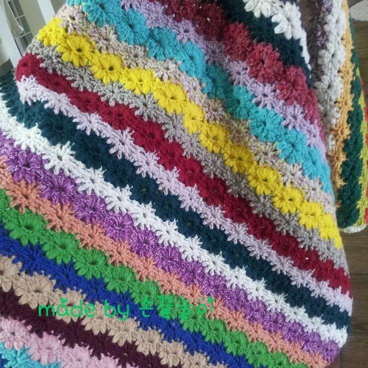 3월인데..도 춥다 #blanket 이 필요해아직은 #코바늘블랭킷 #crochetblanket  #코바늘뜨개  #램스울 by fingertip_handicraft_crochet