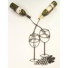 Tus mejores vinos exhibidos en estos racks.