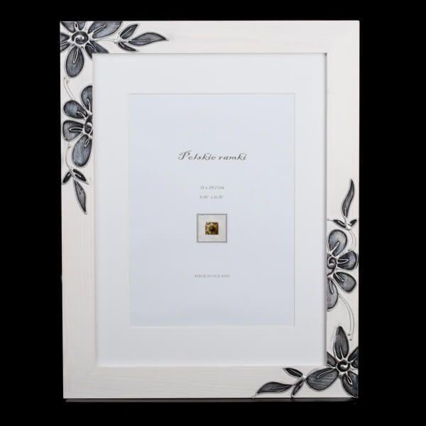 Biała ramka drewniana 30×40 cm z pięknym ręcznym zdobieniem (#537B)