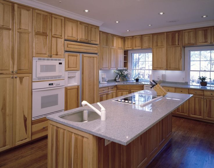 pictures of small kitchen designs 94 best hickory cabinets images on 7486