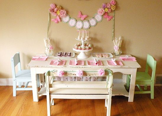 spring party: Decor Girls, Girls Generation, Birthday Parties, Girls Birthday Teas Parties, Spring Parties, Girls Birthdaytea, Parties Ideas, Little Girls Parties, Pink Parties