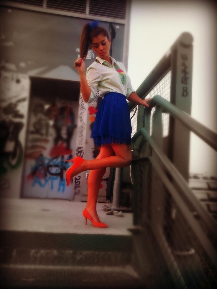 greek fashion blogs | pretty n yummy: bold orange & electric blue