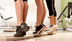 Panturrilha Livre é um dos exercícios mais simples de praticar, pois não exige qualquer aparato e suporte.
