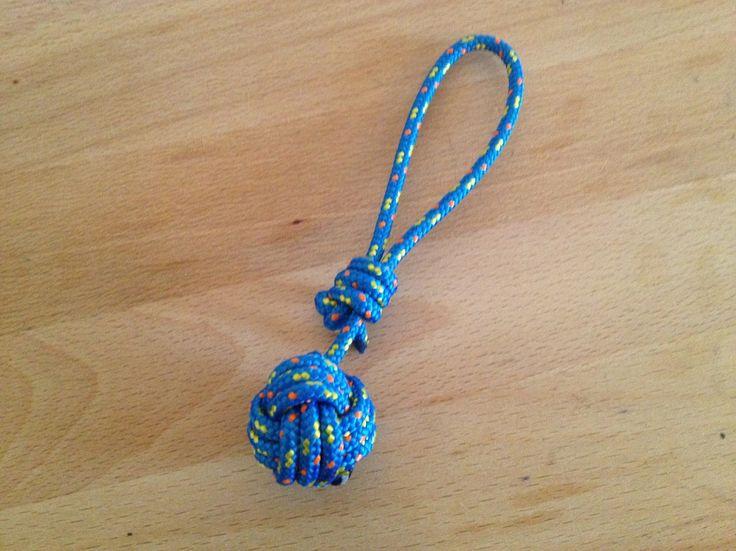 Les 25 meilleures id es de la cat gorie comment faire un scoubidou sur pinterest bracelets - Comment faire un porte cle en scoubidou ...