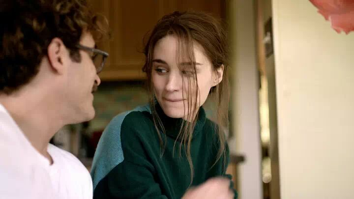 Joaquin Phoenix and Rooney Mara in Her
