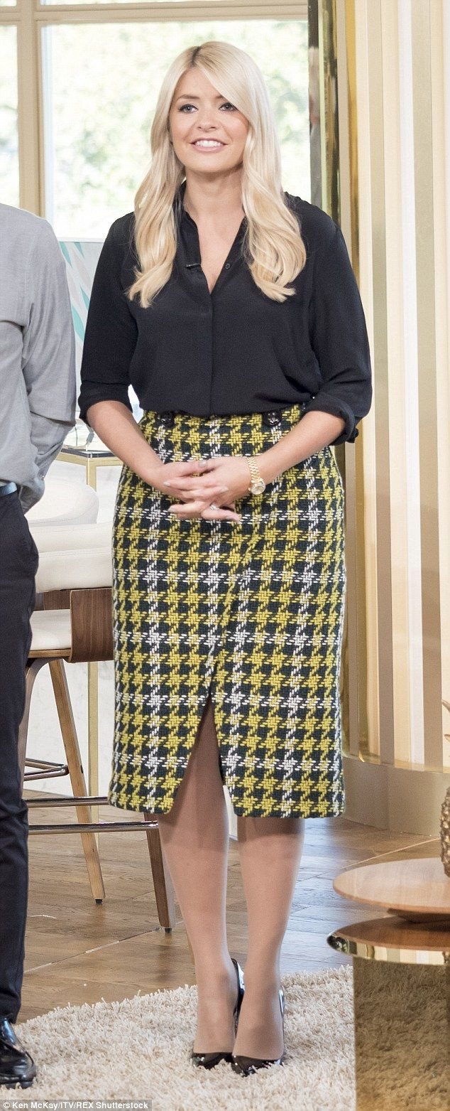 Holly-Willoughby | Skirt | Holly willoughby outfits, Holly ...