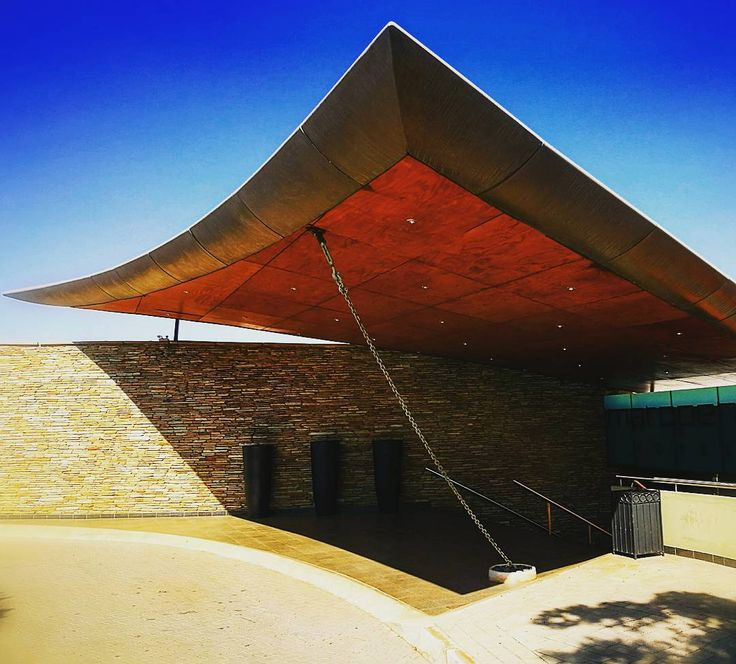 Excellent design at the entrance to the Maropeng hotel in the heart of Cradle of Humankind. A definite visit if you visiting South Africa. #southafrica #soutafricalust  #touristdestiny #tourism #gauteng #sundayfunday  #cradleofhumankind