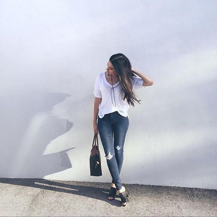 On Wednesdays we wear jeans and tees @voguishdiet #regram #mybluenotes #ootd Shop link in bio.