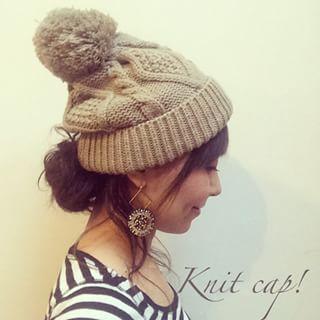 ニット帽にぴったりのゆるくてかわいい簡単ヘアアレンジ|MERY [メリー]
