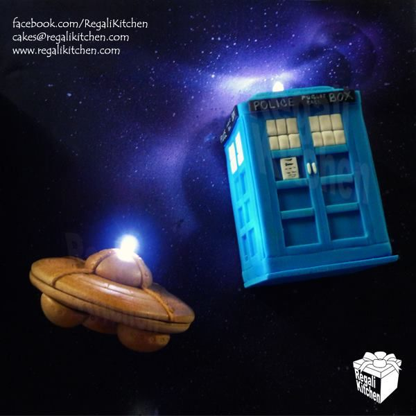 Doctor Who TARDIS and Dalek Flying Saucer Cake Toppers with Lights | by The Regali Kitchen
