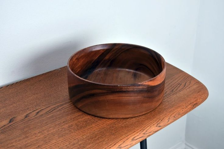 Beautiful Midcentury/Vintage/Retro Rich Teak Wooden Serving/Salad/Fruit Bowl
