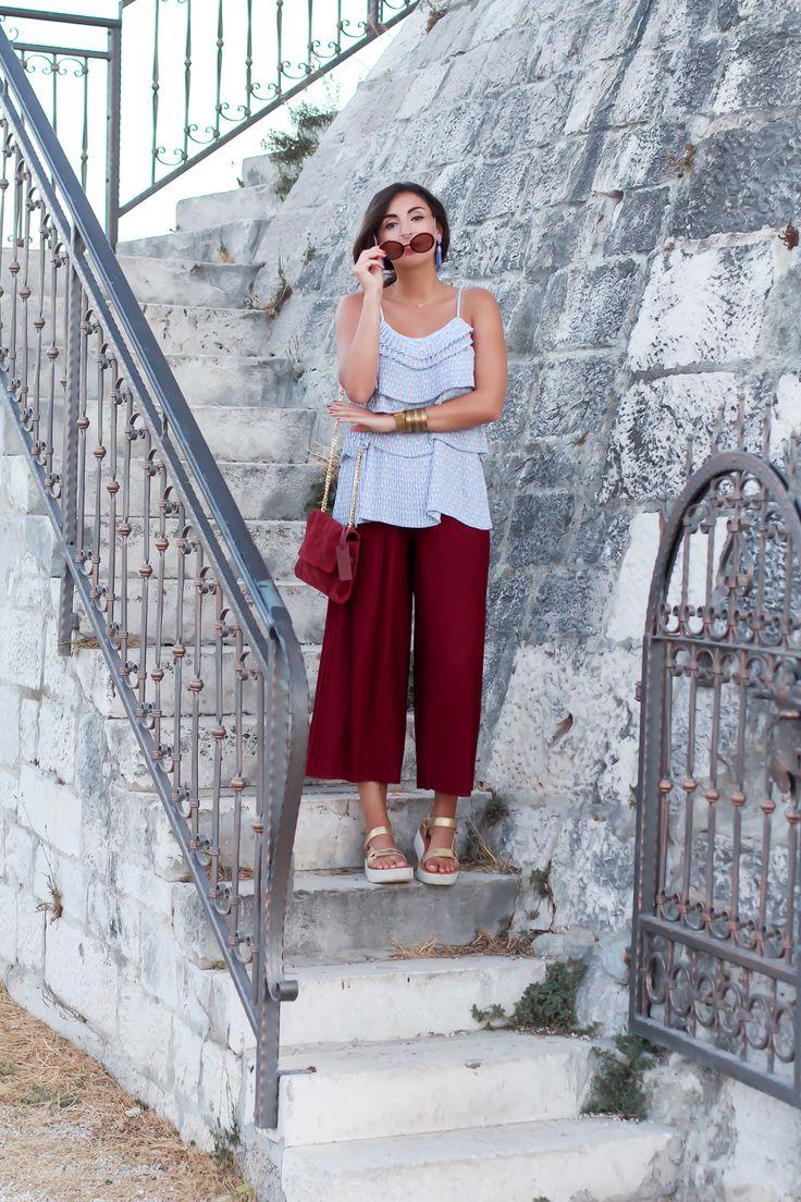 pleated culotte outfit combine palazzo pants monki red holiday look teva plateau schuhe mint&berry strappy top kroatien urlaubslook samieze berlin_