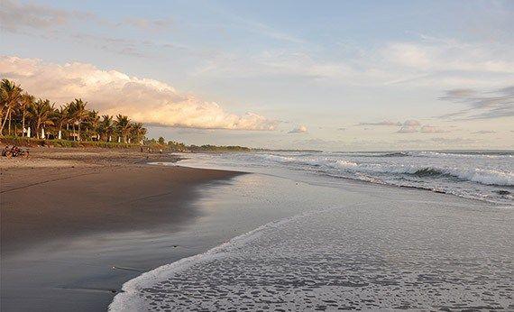 Pantai Kelating Tabanan.