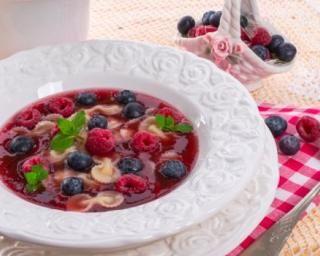 Soupe de fruits rouges : http://www.fourchette-et-bikini.fr/recettes/recettes-minceur/soupe-de-fruits-rouges.html