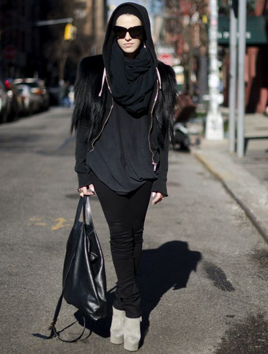 HAHA yes...this is more my style. All black--usually Abaya b/c lol it's easier, but I'd so rock this(minus them shoes tho)