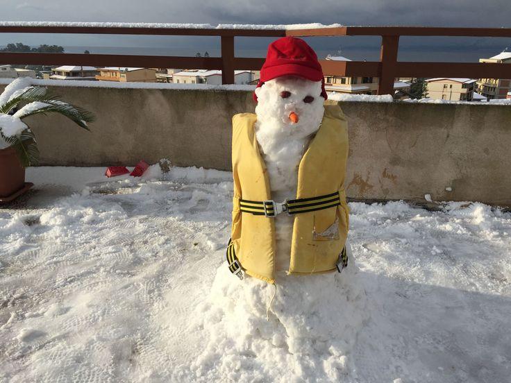 Il pupazzo di neve 'velista' di Fabiano Palamara (Catona)