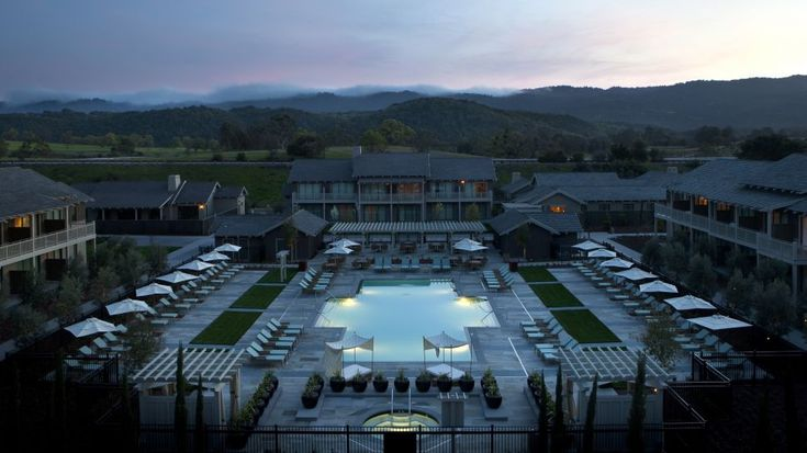 The High-End Rosewood Sand Hill Resort in Menlo Park, California