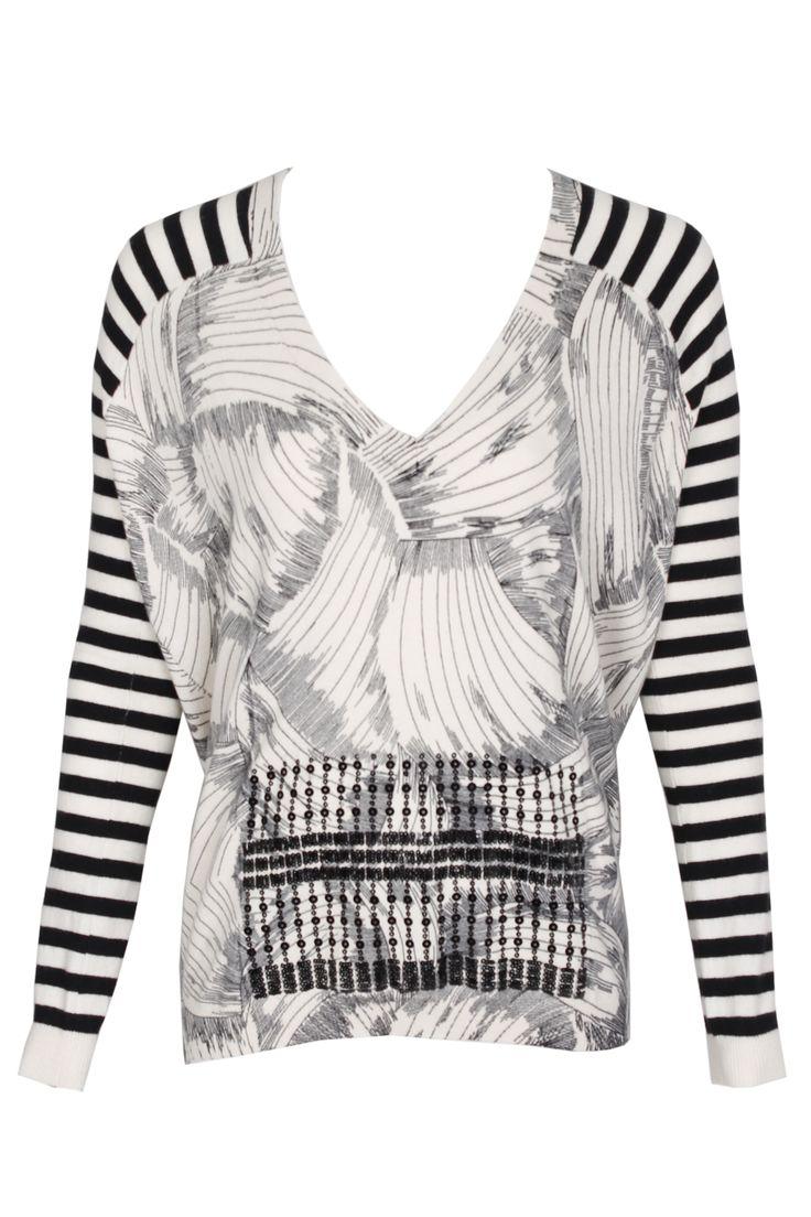 #pianurastudio #pianura #greenbird #marinamall #abudhabi #abudhabifashion #abudhabistyle #dubai #dubaifashion #dubaistyle #fashionista #womenswear #eveningwear #casualwear #fall2013 #winter2014 #longsleeve #sweater #mixedprint #striped #blackandwhite #greyscale