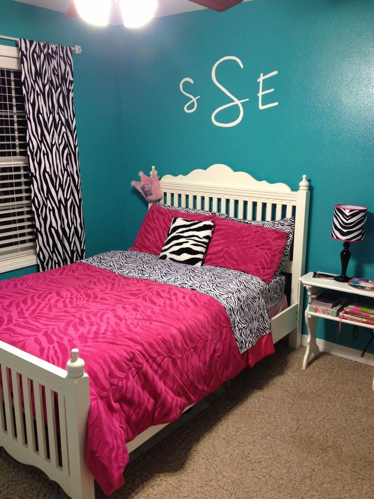 Teal walls w zebra print kids 39 bedroom ideas for Pink teenage bedroom designs