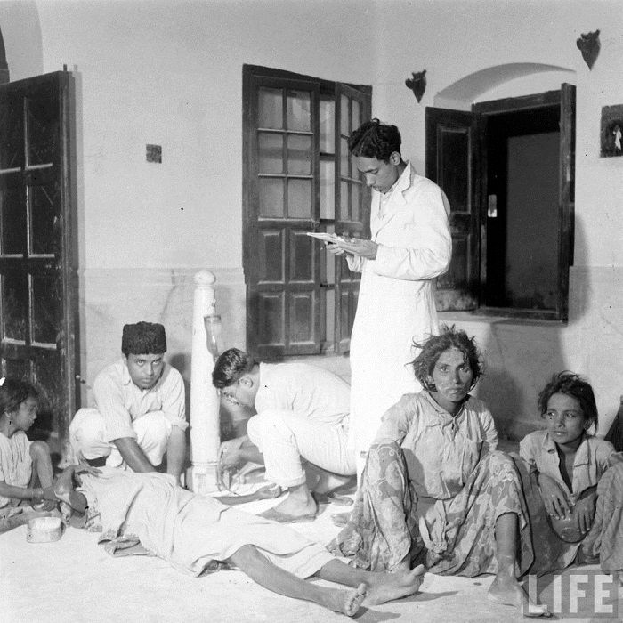 Photo Credit http://funyarn.com/the-partition-of-india-on-1947-rare-photos/